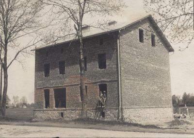 3.Budynek przy ul. Warszawskiej (obecnie kwiaciarnia). Zdj. ze zbiorów P.Alicji