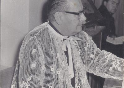 35.Ks. dziekan (1907-1977) Jan Trocha proboszcz parafii starobieruńskiej św. Bartłomieja