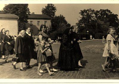 4.Kondukt żałobny, w kondukcie ciotka Kardynała Nagy (stryjenka)