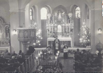 4.Ołtarz główny 1967 r. Wystrój barokowy kościoła NSPJ w Bieruniu