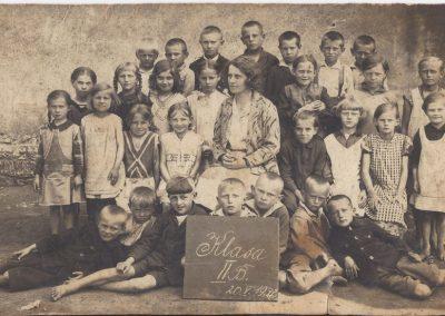 50.Klasa szkolna z Janiną Kajtoch 20 maja 1932 r