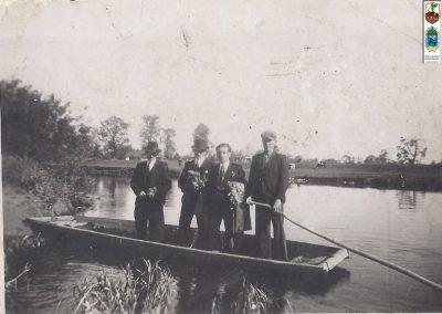 90.Czarnuchowice 1937 r. Łódka do przewozu na Wiśle