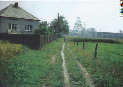 """91.Budowa kopalni """"Piast"""" (budująca się łaźnia) – 1973 r. (ze zbiorów Jana Gawliczka)"""