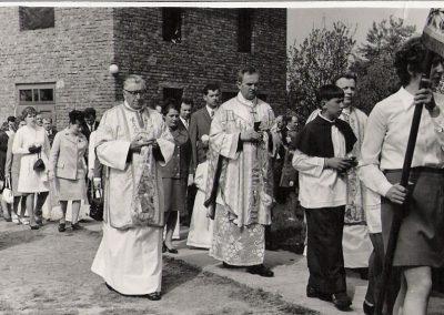 Komunia św. 1972 Ks. Kuczera, ks. Adamus, Ks. Cedzich