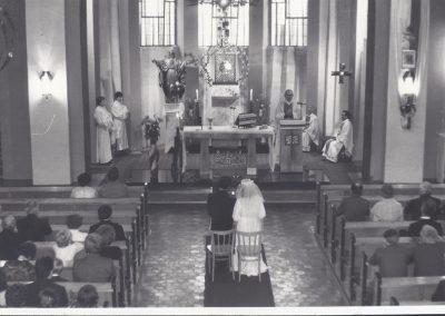 Ślub w kościele NSPJ w Bieruniu Nowym-ze zbiorów pana K. Trzońskiego