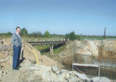 135.Budowa nowego mostu nad potokiem Goławieckim do Czarnuchowic