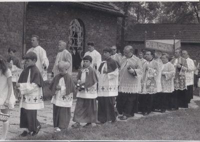 138.Procesja wokół kościoła