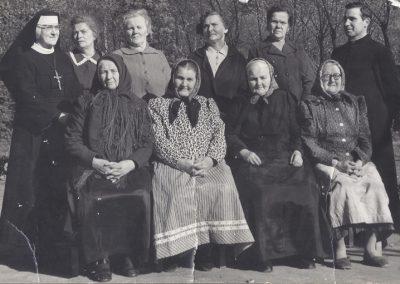 145.Lata 70-te. parafianki nowobieruńskie. Zdjęcia pochodzą ze zbiorów p. Cecylii Ziebura