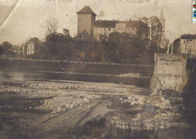 Zerwany most w Oświęcimiu na Sole w czasie wojny