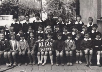 17.Zdjęcie klasowe IV b - V.1973 r. Bieruń Nowy